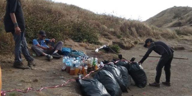 Aksi Nol Sampah di Taman Nasional Gunung Merbabu