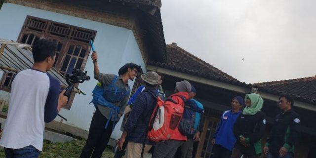 Tim Jelajah 54 Taman Nasional Indonesia Memasuki TN Gunung Merbabu
